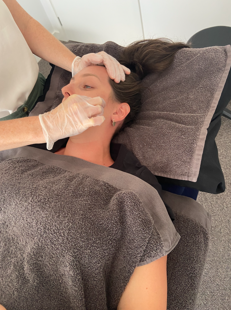 massage treatment of the jaw tmj with an osteopath